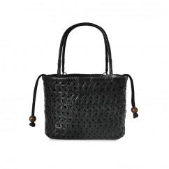 (イウハ) IUHA 黒編み網代 かごバッグ  巾着  竹 籐持ち手  自然素材  竹籠バッグ  浴衣 着物 リゾート