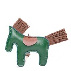 IUHA★ギフトに最適 バイカラー 馬 ポニー チャーム バッグチャーム エルメスが好きな方におすすめ (グリーン)