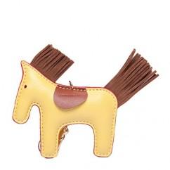 IUHA★ギフトに最適 バイカラー 馬 ポニー チャーム バッグチャーム エルメスが好きな方におすすめ (イエロー)